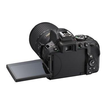 Nikon D5300 24.2MP CMOS 6000 x 4000Pixels solo corpo nero