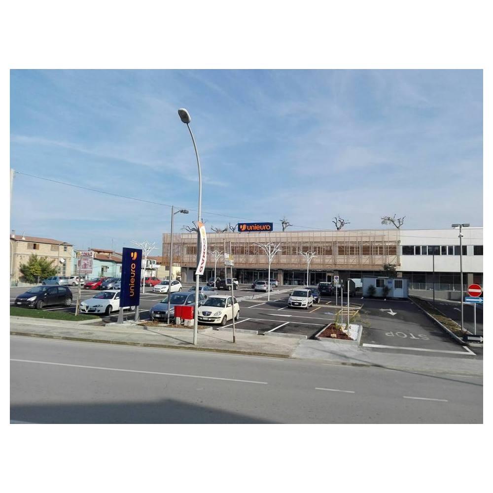 Unieuro San Salvo - Piazza Vittoria
